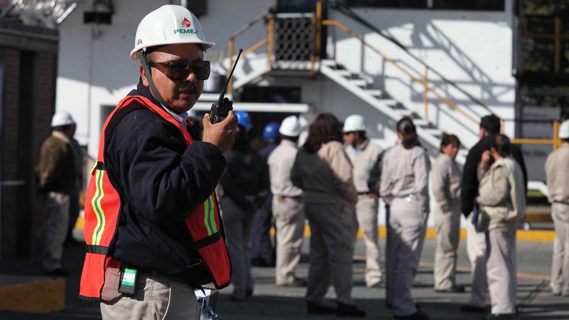 Recorte a plantilla de Pemex de casi 9 mil trabajadores