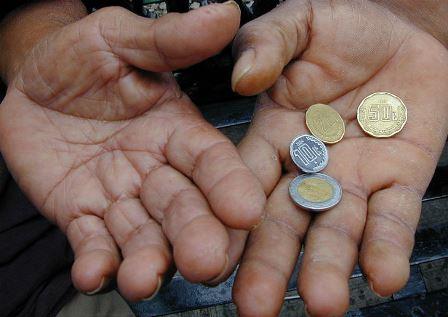 Reducción de pobreza depende de salarios