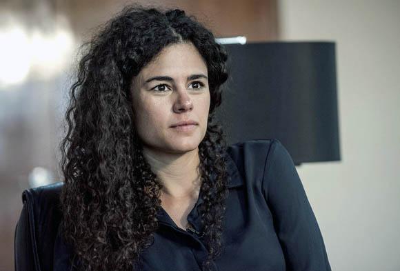 """Reforma laboral acabará con """"extorsiones"""" de sindicatos a empresas: Luisa María Alcalde"""