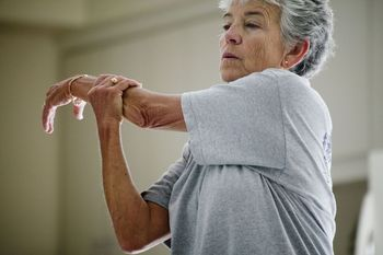 Requesón previene pérdida de músculo en adultos mayores