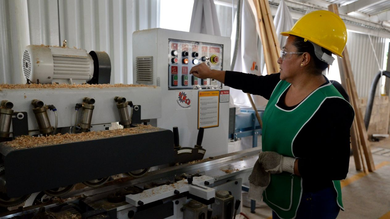 Requisitos a cumplir por empresas para reabrir plantas y fábricas
