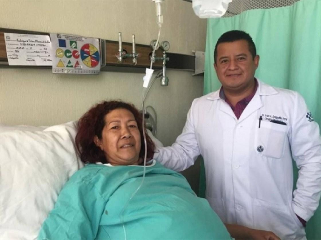 Retiran en IMSS tumor de 17 kilos a mujer