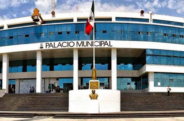Retraso en pago de salarios por bloqueo de cuenta en Naucalpan