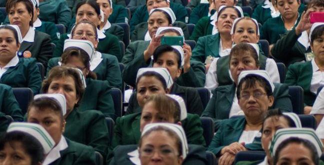 Revela IMSS No. de contrataciones de médicos y enfermeras en 2016-2018