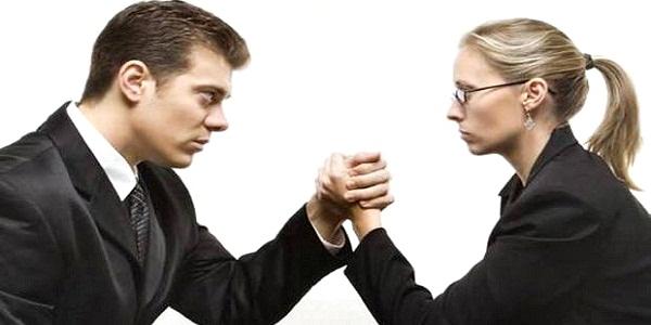 Rezagadas mujeres frente a hombres en mercado laboral