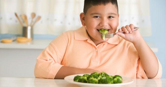 Roba obesidad 4 años de vida a niños