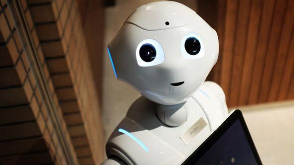 Robots y humanos se repartirán 50 y 50 los trabajos en 2025: WEF