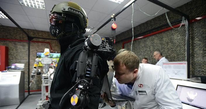 Rusia produce exoesqueleto para personas con discapacidad