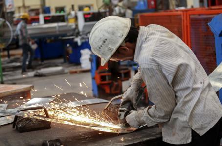 Salarios competitivos reducirá informalidad