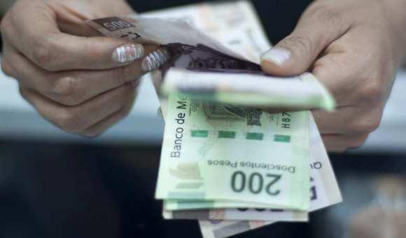 Salarios contractuales suben 5.5% en agosto