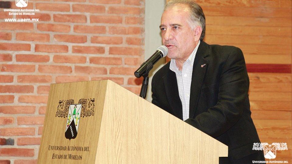 Se agota dinero para pagar salario: rector de UAEM