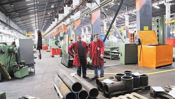 Se debilita la creación de empleos en la industria
