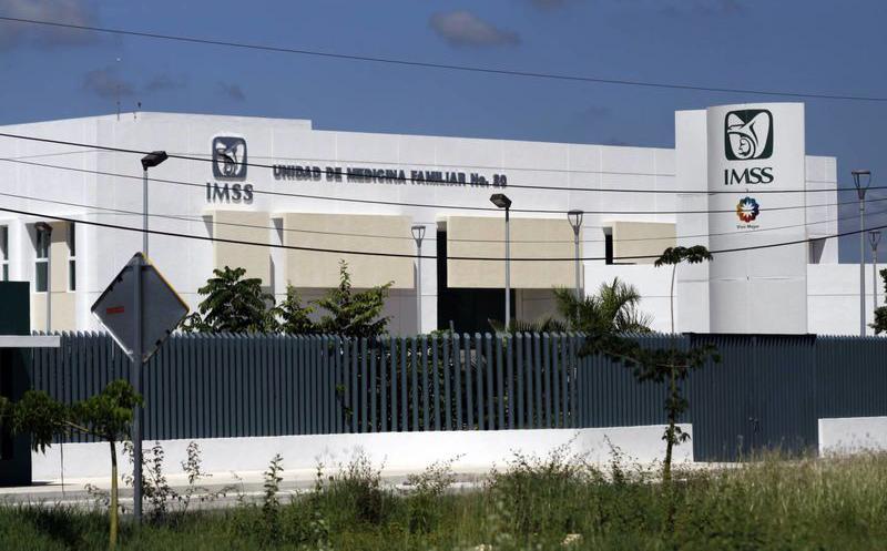 Se desploma inversión física en IMSS e ISSSTE