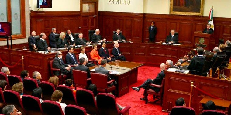 Se doblan Ministros de la Corte, se reducen salarios