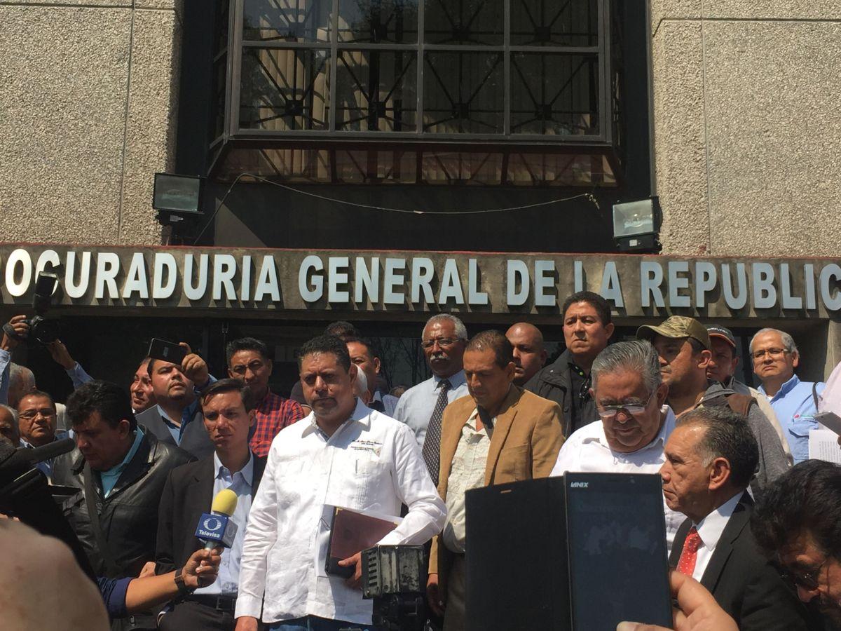 Se lanza disidencia contra  Romero Deschamps