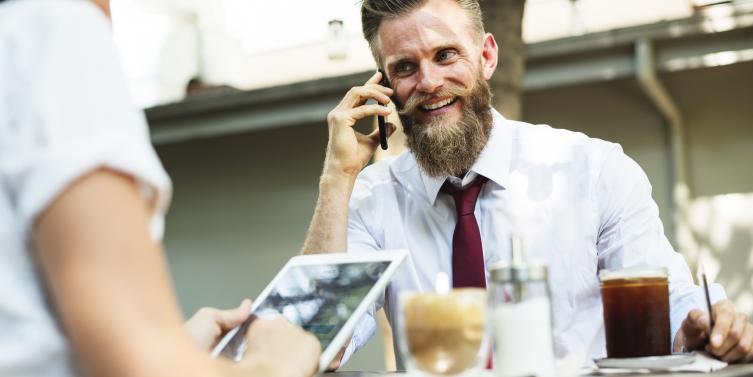 ¿Se puede compatibilizar la felicidad laboral con la personal?