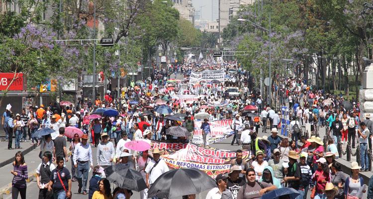 Se unen sindicatos y marchan