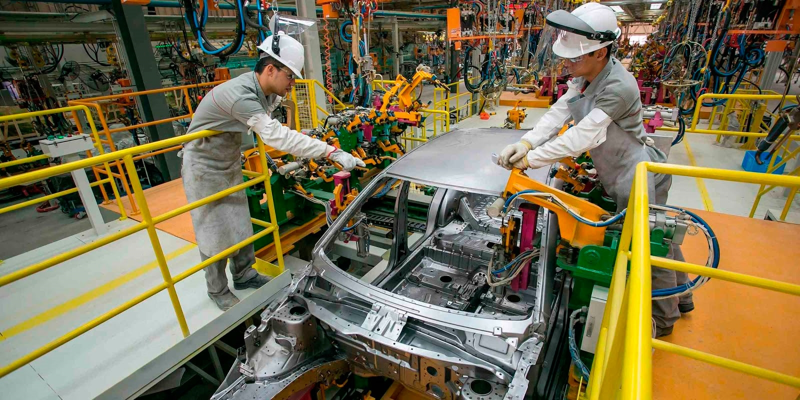 Sector automotriz, con alza salarial de 6 %