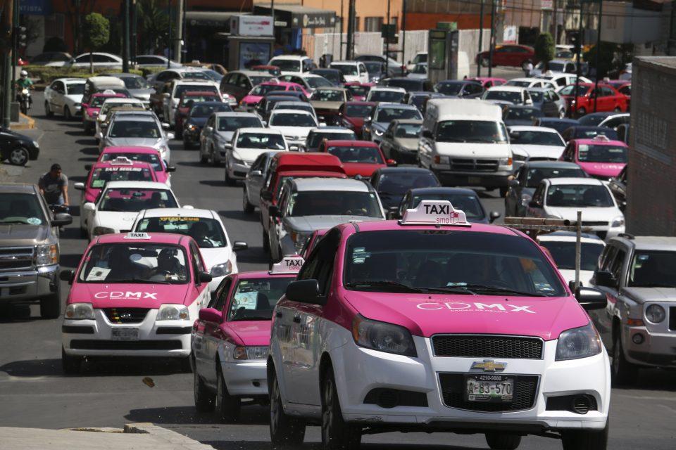 Seguro Popular para tianguistas y taxistas