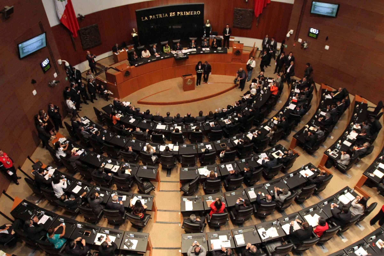 Senado castiga sueldos que exceden tope presidencial