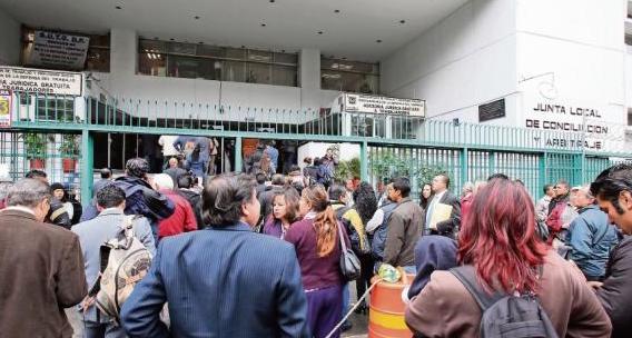 Senado vota si Poder Judicial absorbe juntas laborales