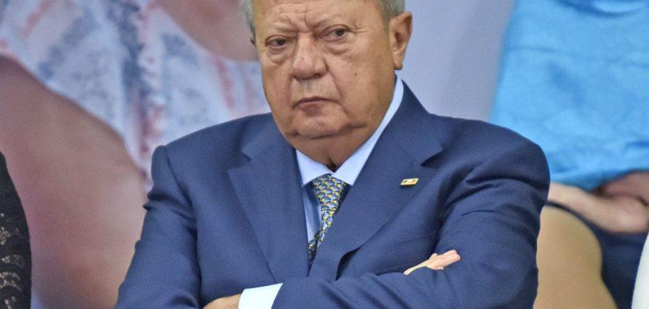Senadores de Morena buscan acotar a Romero Deschamps