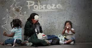Ser pobre en México sale muy caro