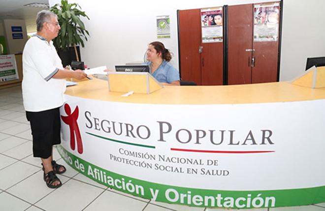 Servicio garantizado de Seguro Popular hasta 2030