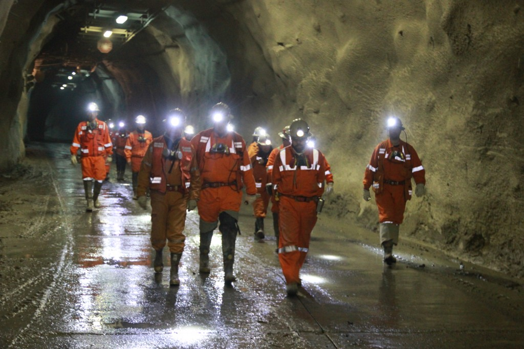 Si muere un minero trabajando su vida vale 422 mil pesos: Reforma laboral