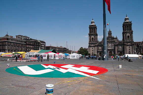 SME protesta en Zócalo capitalino, a 11 años de extinción de Luz y Fuerza