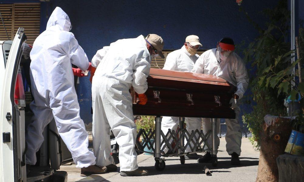 Sobresaturación y alza de precios de servicios funerarios en CDMX