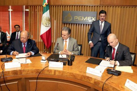 Sube Pemex 3.12% salario a sindicato