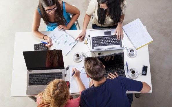 Sufren jóvenes abandono al elegir carrera y empleo