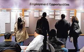 Tasa de desempleo en EU cayó a 3.9% en julio