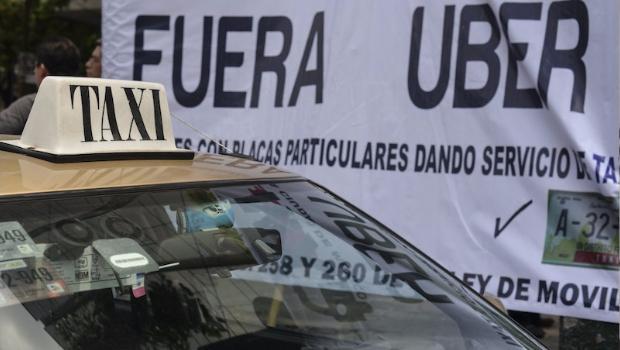 Taxistas convocan a megamarcha este miércoles contra Uber
