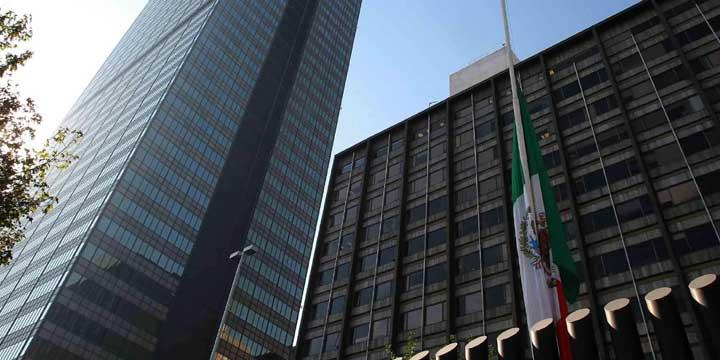 Todas las oficinas de Pemex a Campeche: AMLO