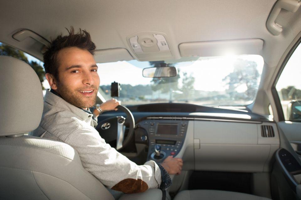 Trabajadores de Uber deberán certificarse