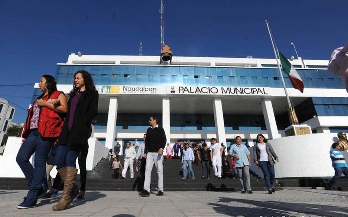 Trabajadores exigen pago de salario y aguinaldo en Naucalpan y Cuautitlán