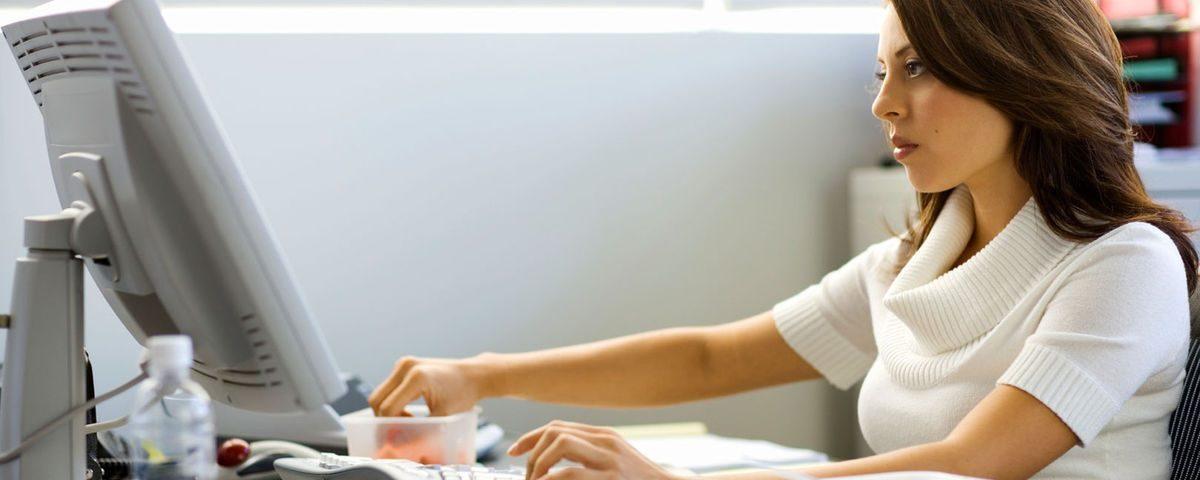 Trabajo a distancia con prestaciones y contrato, advierte STPS