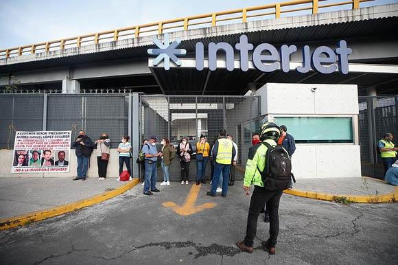 Tras no recibir salarios, sindicalizados de Interjet emplazan a huelga