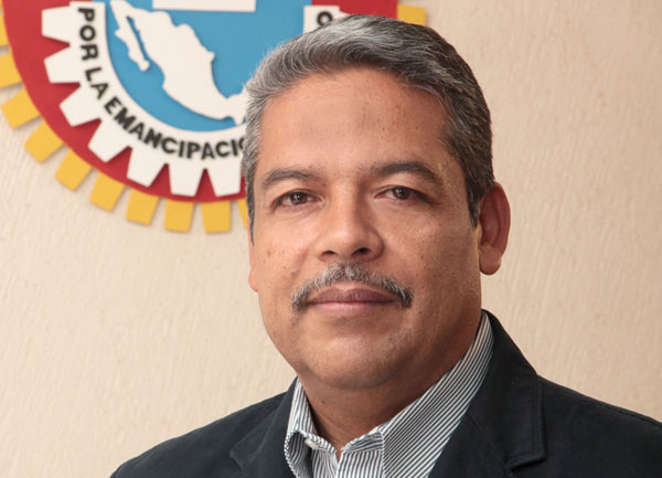 Truena sindicato contra CNTE