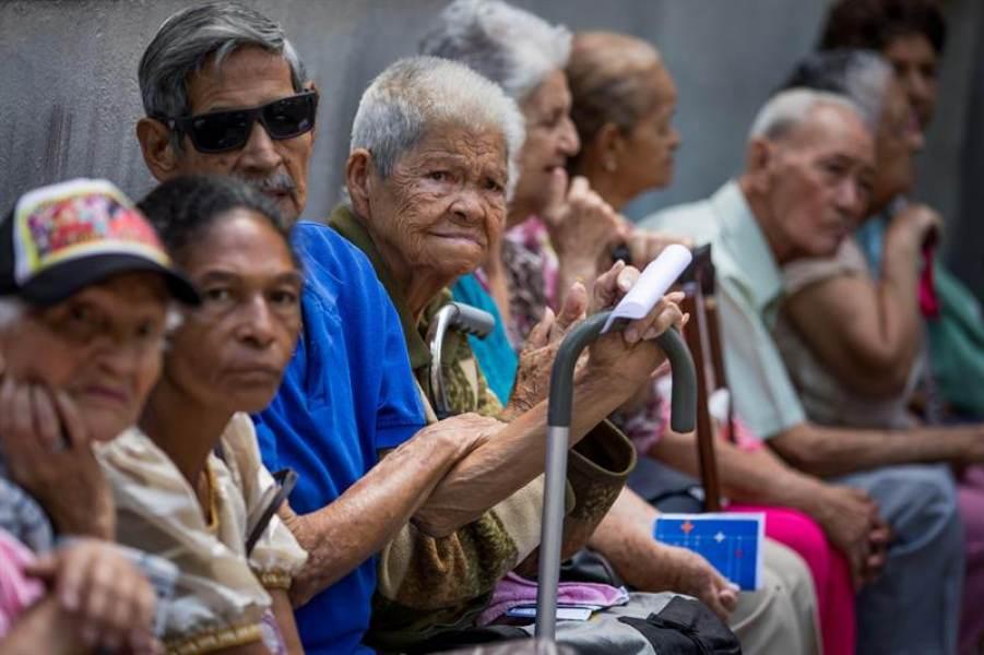 Urge ajustar sistema de pensiones