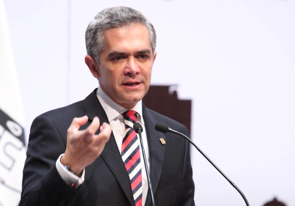 Urge MAM a Peña discutir salario mínimo