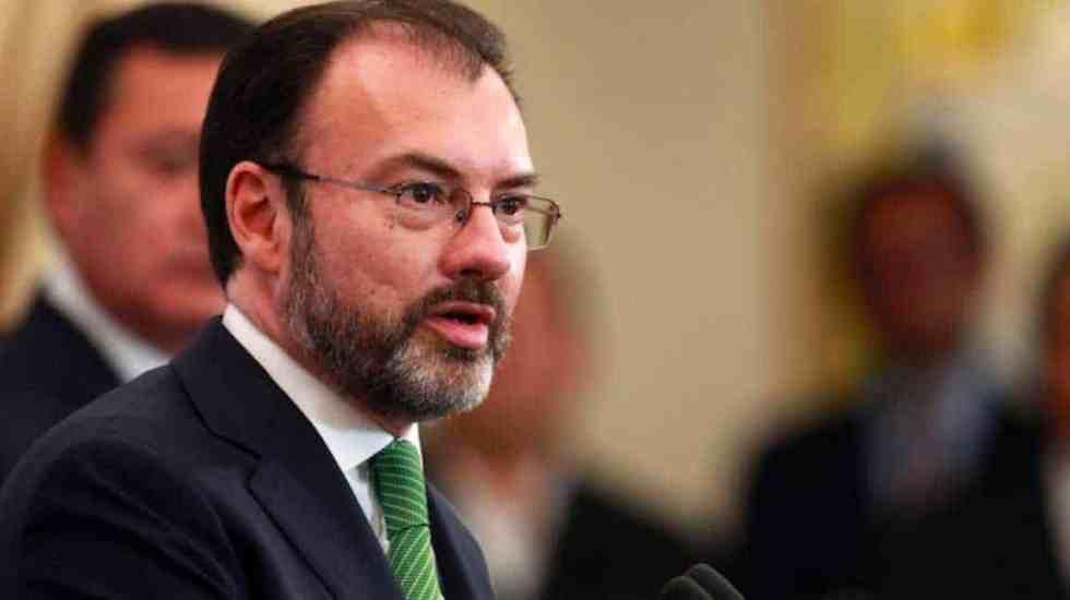 Urgen a embajadores políticos a renunciar por transición