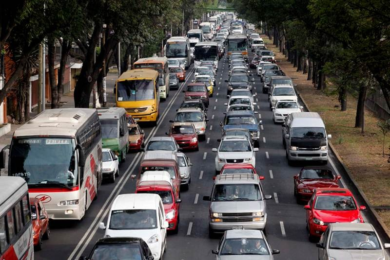 Usar a diario tu auto en la CDMX te cuesta hasta 3 meses de sueldo