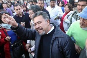 Va CNTE por salida política a conflicto
