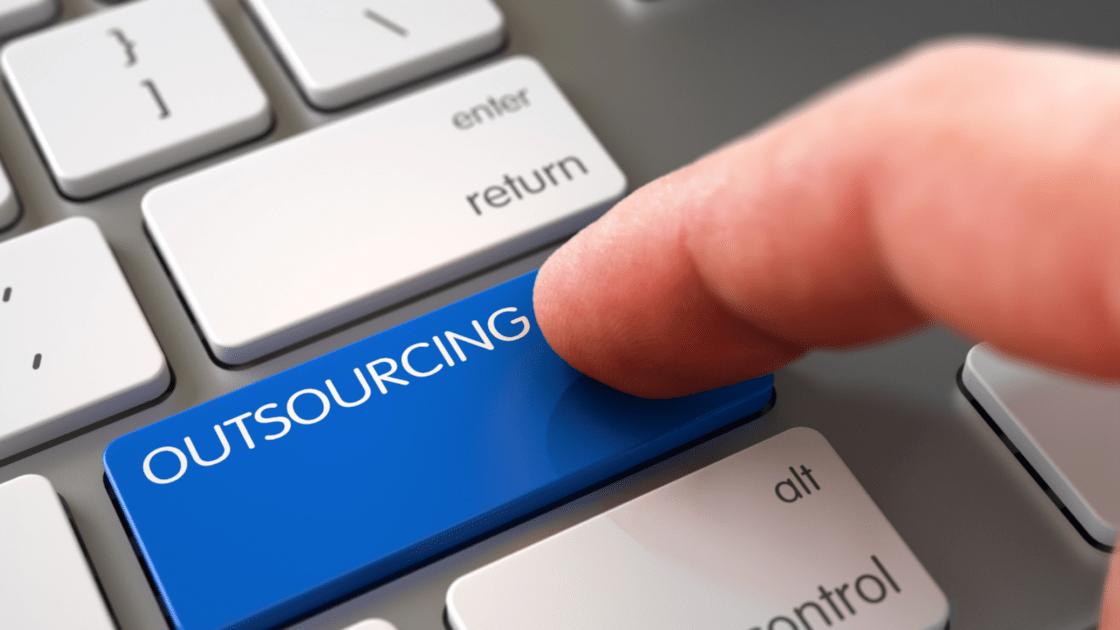 Abusos a trabajadores desvirtuaron al outsourcing, consideran expertos