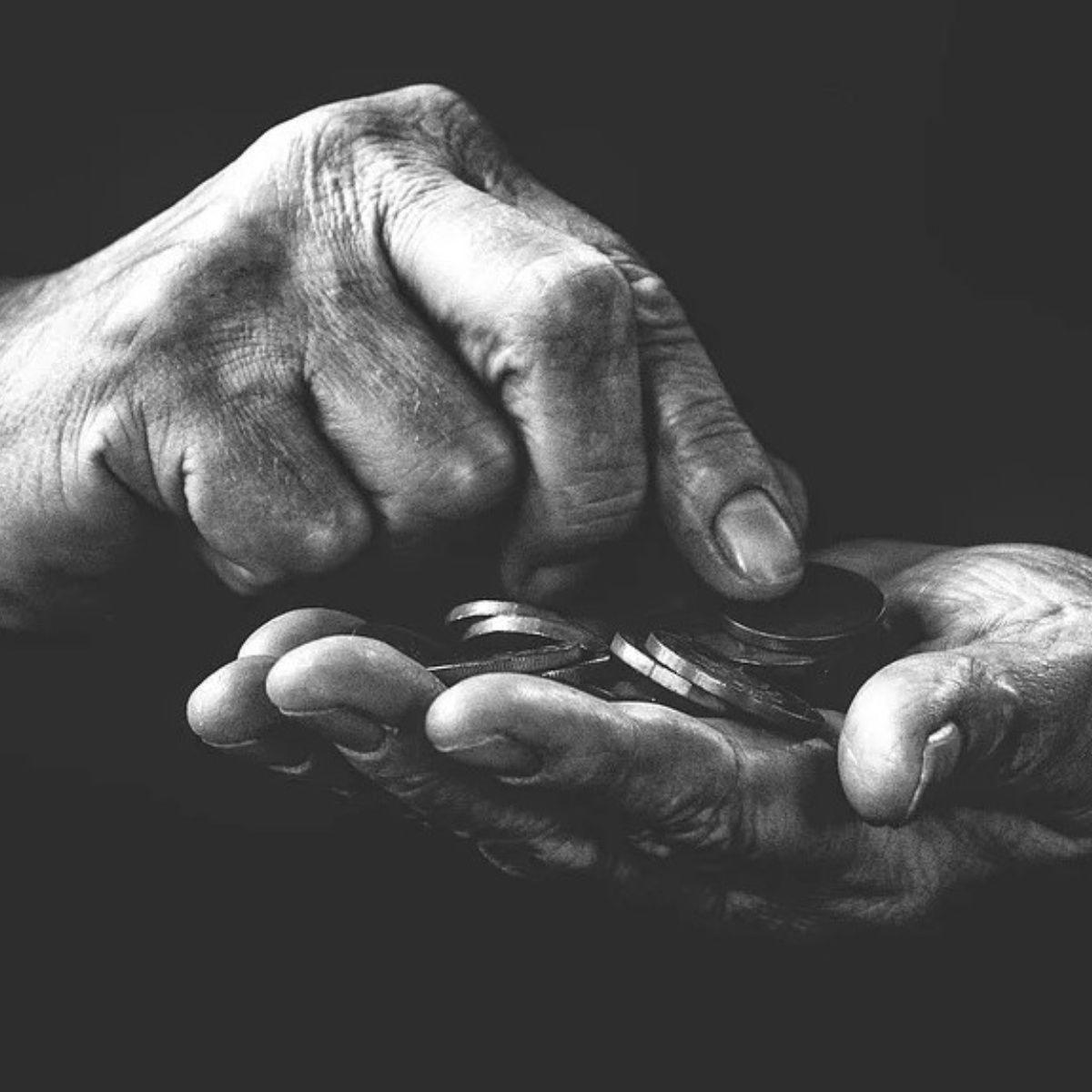 Achacan recorte en pensiones a crisis heredada