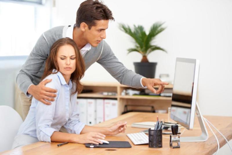 Acoso laboral: ¿Cómo identificarlo, qué hacer y cómo lidiar con un jefe pesado?