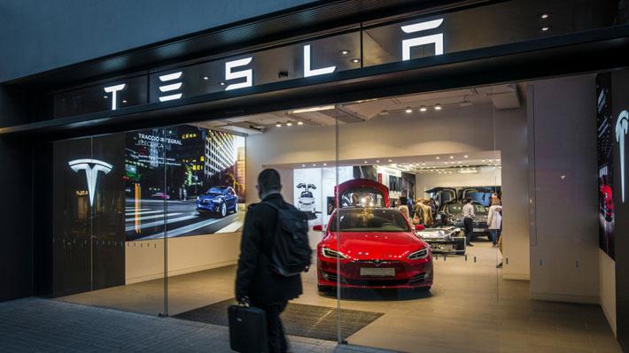 Acusan a Tesla de silenciar a trabajadores que quieren conformar un sindicato